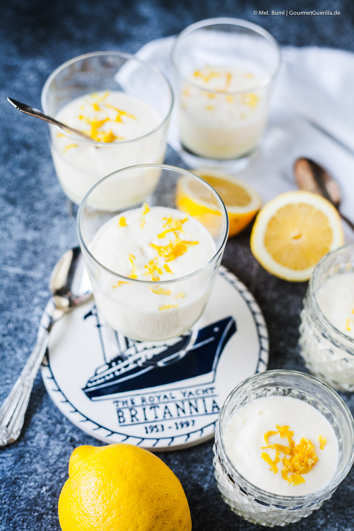 Syllabub - the typical English lemon cream with cream and alcohol GourmetGuerilla.de